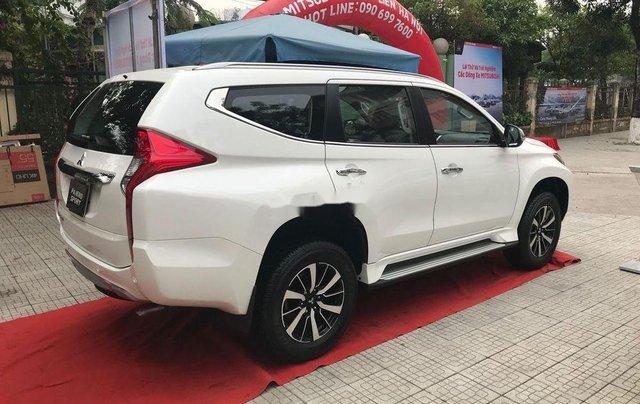 Bán xe Mitsubishi Pajero 2019, xe nhập, nhiều ưu đãi2