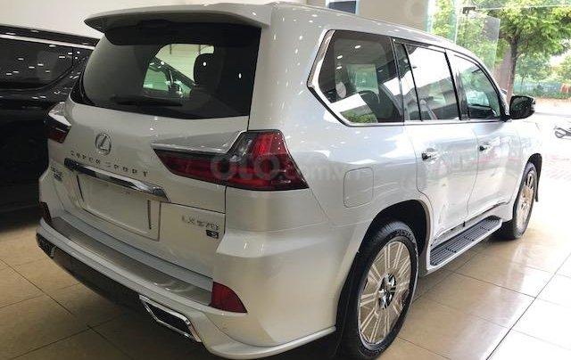 Lexus LX570 Autobiography MBS 4 ghế massage màu trắng, nội thất nâu da bò, model 2020 mới nhất2