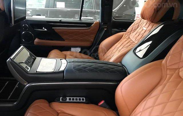 Lexus LX570 Autobiography MBS 4 ghế massage màu trắng, nội thất nâu da bò, model 2020 mới nhất4