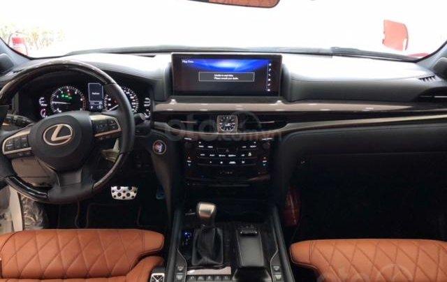 Lexus LX570 Autobiography MBS 4 ghế massage màu trắng, nội thất nâu da bò, model 2020 mới nhất7