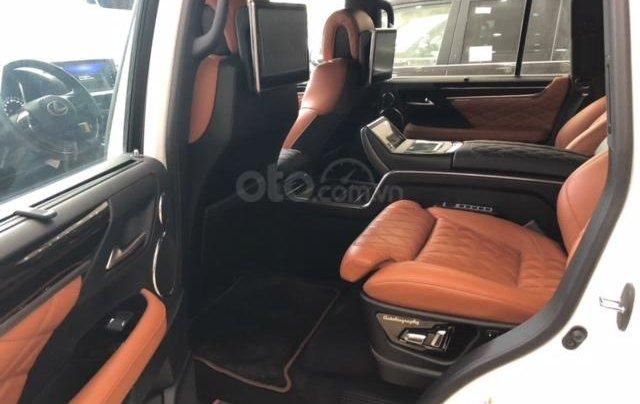 Lexus LX570 Autobiography MBS 4 ghế massage màu trắng, nội thất nâu da bò, model 2020 mới nhất8