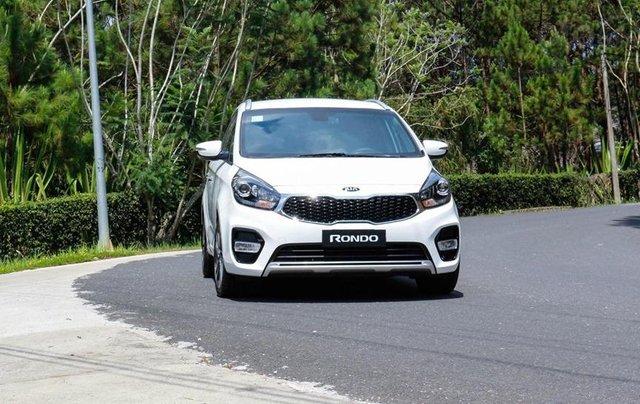 Kia Rondo mẫu xe 5+2 thông dụng mua xe tháng 10 để nhận ưu đãi0