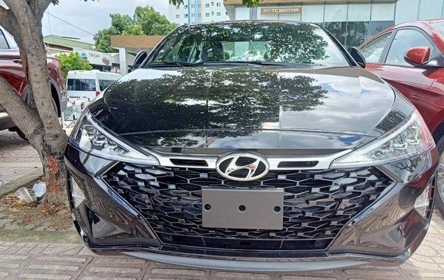 Sở hữu ngay Hyundai Elantra 1.6AT Turbo đen giá cực tốt+ Trả trước 250tr+ Tặng thêm quà 10tr0