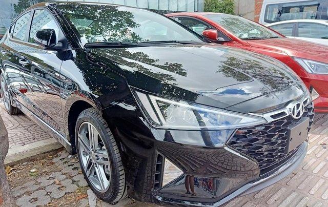 Sở hữu ngay Hyundai Elantra 1.6AT Turbo đen giá cực tốt+ Trả trước 250tr+ Tặng thêm quà 10tr2