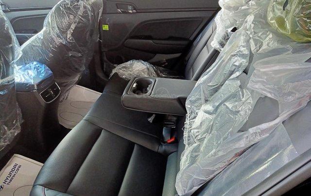 Sở hữu ngay Hyundai Elantra 1.6AT Turbo đen giá cực tốt+ Trả trước 250tr+ Tặng thêm quà 10tr3