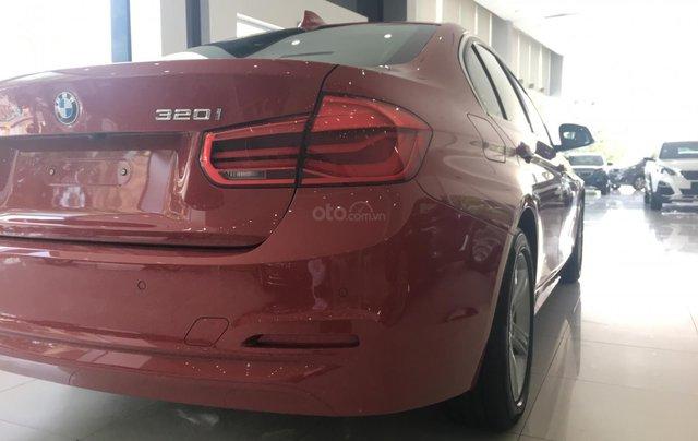 Ưu đãi 16% giá xe BMW 320i - xe có sẵn - giao xe ngay11