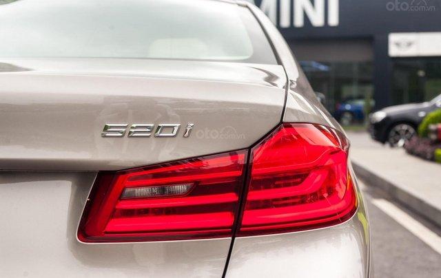 BMW 520i nhập khẩu nguyên chiếc, mới 100% giá cực tốt6