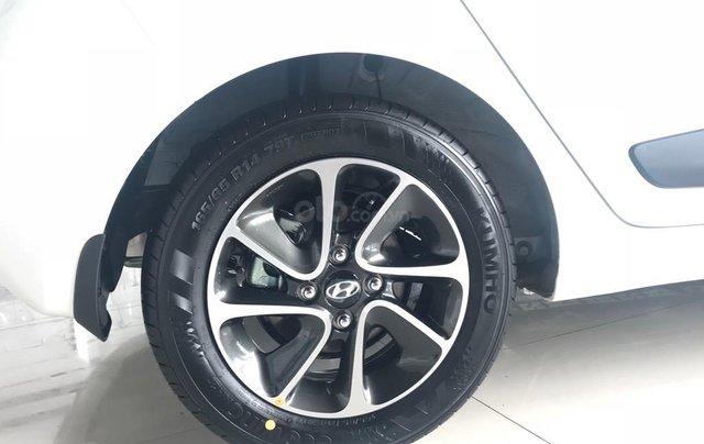 Bán Hyundai Grand i10 1.2AT, 2019, màu trắng, giao ngay- đủ màu2
