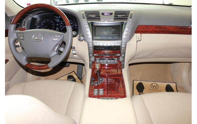 HCM: Lexus LS 600HL 5.0 AT 2010, màu vàng, xe nhập8