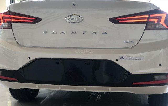 Xe Hyundai Elantra 2019, giá từ 555tr - màu trắng- giao ngay - LH: 09192935532