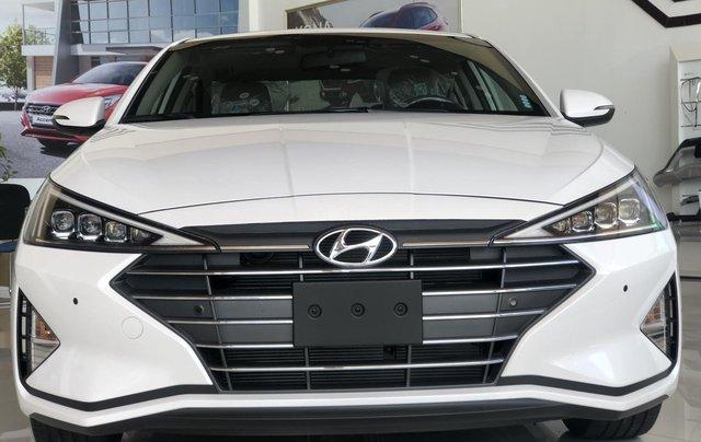 Xe Hyundai Elantra 2019, giá từ 555tr - màu trắng- giao ngay - LH: 091929355315