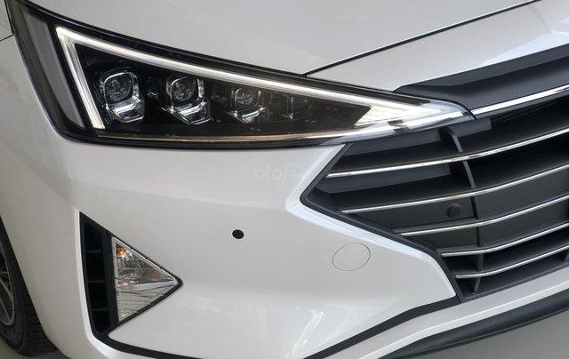 Xe Hyundai Elantra 2019, giá từ 555tr - màu trắng- giao ngay - LH: 091929355316