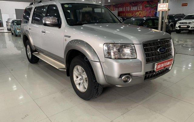 Cần bán Ford Everest 2.5MT đời 2008, màu bạc, 355tr1