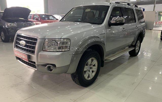Cần bán Ford Everest 2.5MT đời 2008, màu bạc, 355tr5