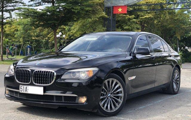 Bán BMW 750Li nhập Đức đăng kí 2013, full ngân hàng cho vay 70%0