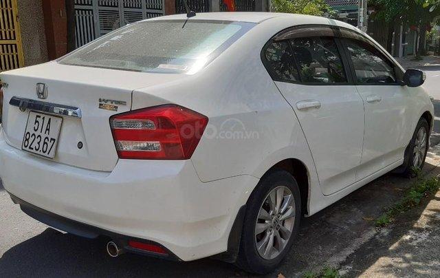 Cần bán xe Honda City 1.5G sản xuất 2014, màu trắng0