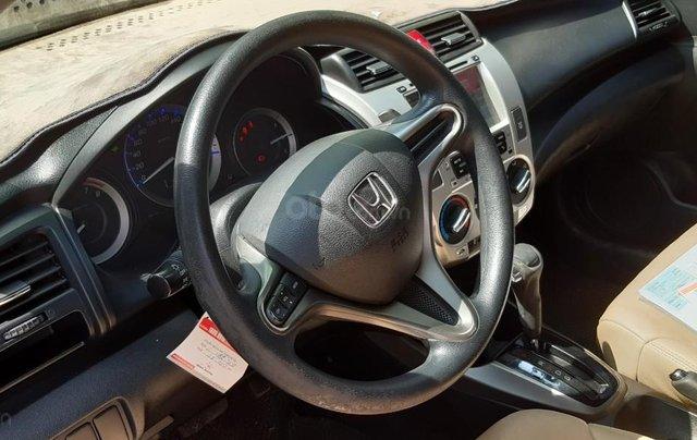 Cần bán xe Honda City 1.5G sản xuất 2014, màu trắng3