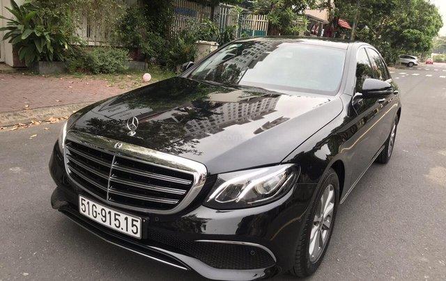 Bán xe Mercedes E200 2019 form mới, màu đen, biển số VIP0