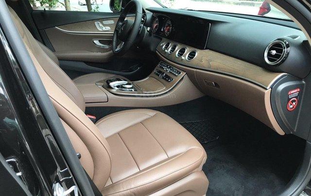 Bán xe Mercedes E200 2019 form mới, màu đen, biển số VIP4