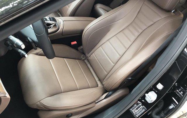 Bán xe Mercedes E200 2019 form mới, màu đen, biển số VIP8