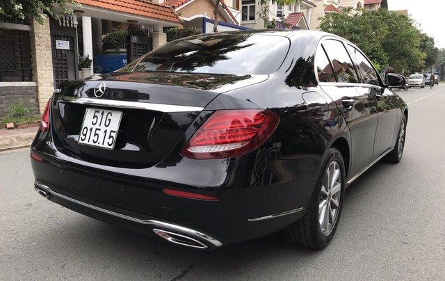 Bán xe Mercedes E200 2019 form mới, màu đen, biển số VIP13