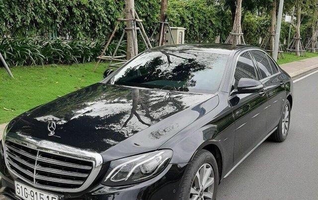 Bán xe Mercedes E200 2019 form mới, màu đen, biển số VIP15