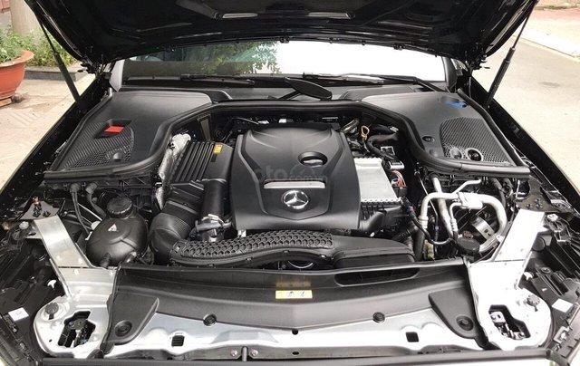 Bán xe Mercedes E200 2019 form mới, màu đen, biển số VIP16