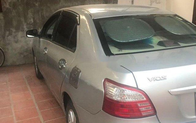 Bán Toyota Vios năm 2009, màu bạc0