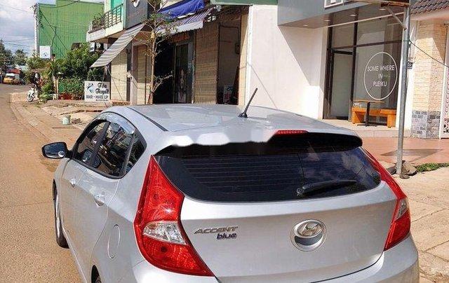 Bán Hyundai Accent 2015, màu bạc, nhập khẩu, xe rất đẹp10