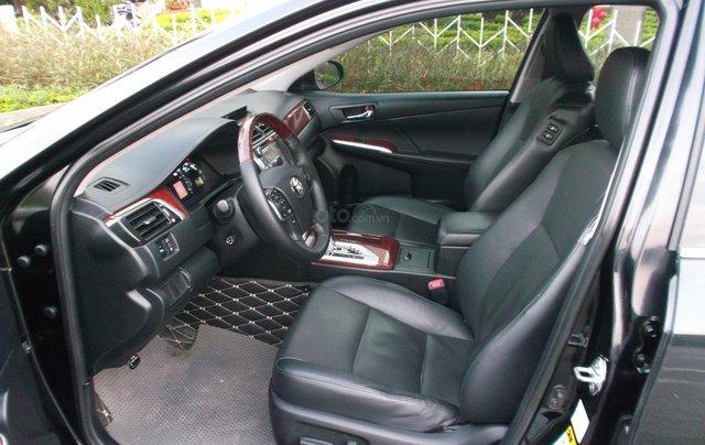 Bán xe Toyota Camry 2.5Q sản xuất năm 2014, màu đen, giá chỉ 838 triệu4