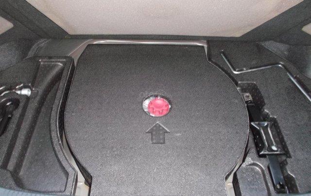 Bán xe Toyota Camry 2.5Q sản xuất năm 2014, màu đen, giá chỉ 838 triệu9