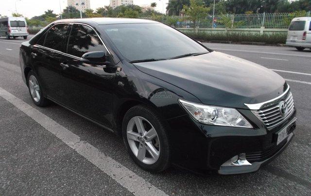 Bán xe Toyota Camry 2.5Q sản xuất năm 2014, màu đen, giá chỉ 838 triệu3