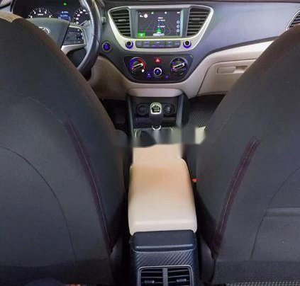 Cần bán lại xe Hyundai Accent 1.4 đời 2015, màu trắng xe gia đình, giá tốt3