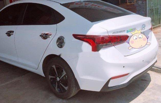 Cần bán lại xe Hyundai Accent 1.4 đời 2015, màu trắng xe gia đình, giá tốt2