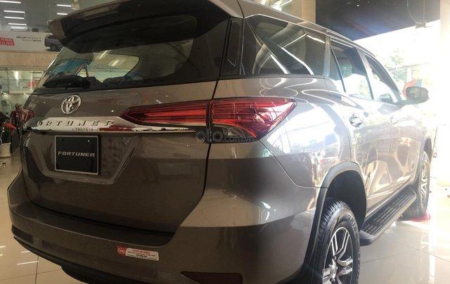 Toyota Fortuner 2.4G AT, giao ngay, giá cực tốt 09068823292