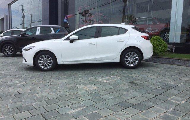 Mazda 3 2019 mới 100% chạy số ưu đãi tháng 10, LH ngay 0942.716.22915