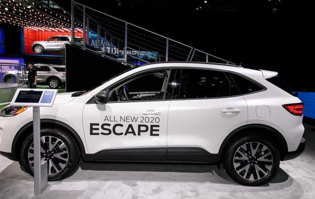 Phân biệt xe Ford Escape 2020 và đời cũ qua ảnh2