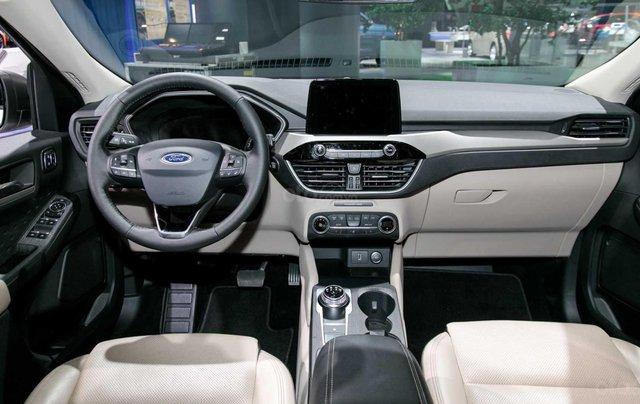 Phân biệt xe Ford Escape 2020 và đời cũ qua ảnh12