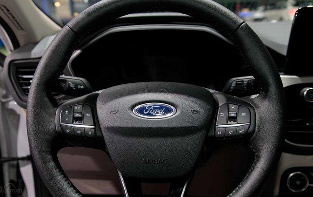 Phân biệt xe Ford Escape 2020 và đời cũ qua ảnh13