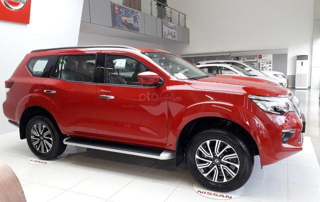 Bán Nissan Terra V giá tốt, sẵn xe giao ngay1