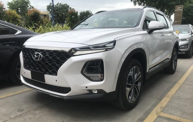 Hyundai Santa Fe 2.4AT đặc biệt sản xuất năm 2019, màu trắng5