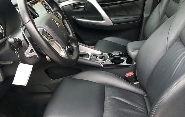 Bán ô tô Mitsubishi Pajero Sport 3.0G 4x4 AT năm 2018, màu trắng, xe nhập khẩu nguyên chiếc5
