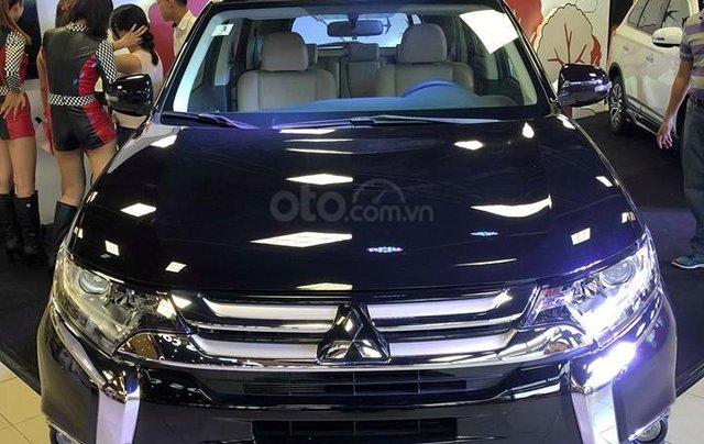 Bán Mitsubishi Outlander 2.0 CVT, đủ màu0