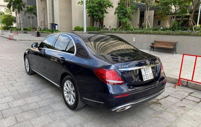 Bán xe Mercedes E200 đăng kí 2018 còn bảo hành chính hãng. Trả trước 500 triệu nhận xe ngay3
