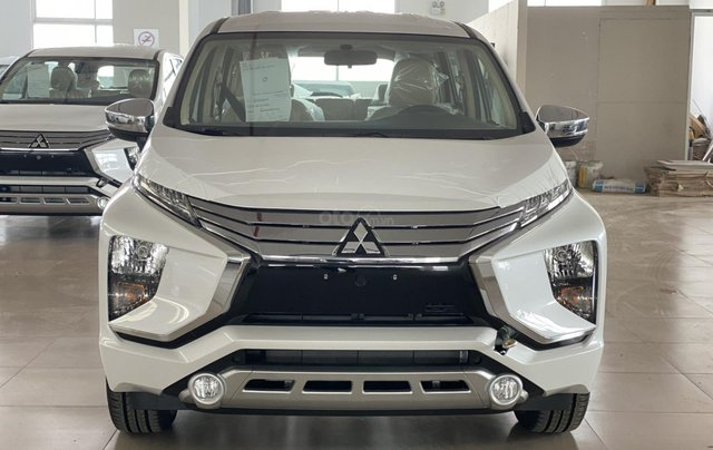 Bán Mitsubishi Xpander AT đời 2019, màu trắng, xe nhập, giá 620tr0