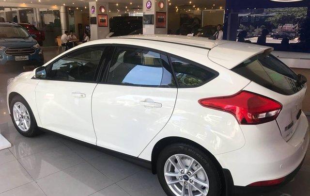 Giá xe Ford Focus 2019, siêu cạnh tranh1