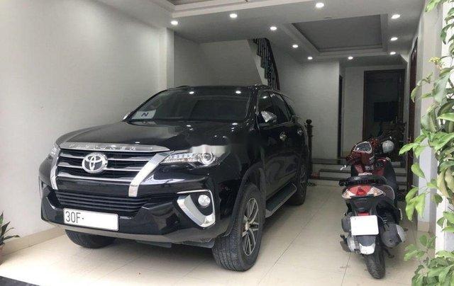 Chính chủ bán Toyota Fortuner sản xuất 2017, màu đen0