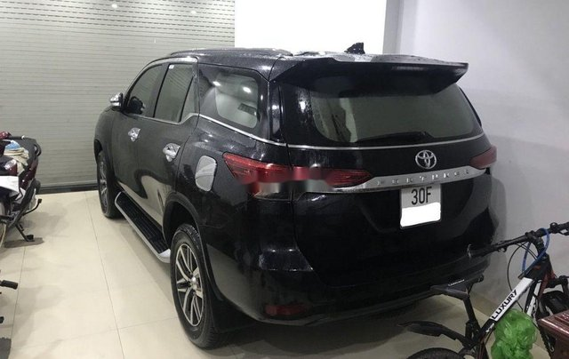 Chính chủ bán Toyota Fortuner sản xuất 2017, màu đen3