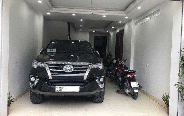 Chính chủ bán Toyota Fortuner sản xuất 2017, màu đen4