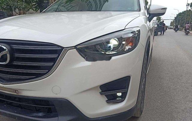 Cần bán lại xe Mazda CX 5 2.0 AT sản xuất năm 2017, màu trắng, giá tốt9